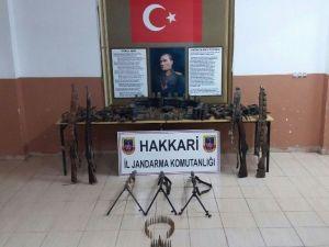 Çukurca'da PKK'ya Ait Mühimmat Deposu Ele Geçirildi