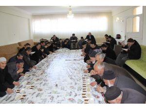 Narman'da Sabah Namazında Çanakkale Şehitleri Dualarla Anıldı