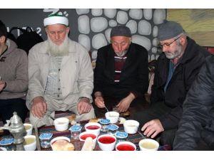 Atalarının 101 Yıl Önceki Öğünlerinden Yediler