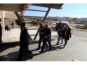Paralel Yapı Operasyonunda Gözaltına Alınan Zanlılar Adliyeye Sevk Edildi