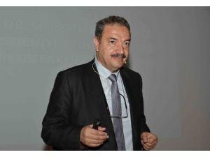 'Evrensel Hukukta Ve İslam Hukukunda Hak, Hukuk Ve Adalet' Konferansı Düzenlendi