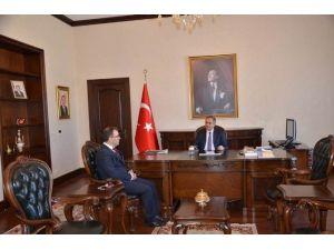 Vali Tapsız Yeni Nüfus Müdürü Ali Rıza Özcan'ı Kabul Etti