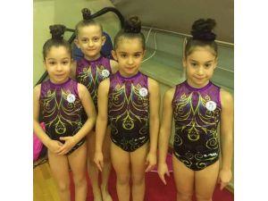 Kocaelili Minikler Cimnastik'te Madalyaya Doymadı