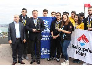 Türkiye'yi Başarıyla Temsil Ediyorlar