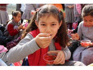 Güneydoğu Gazisinden Hoşaf Ve Ekmekli Hayır