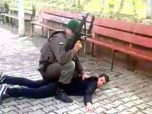 Cezaevi Önünde İntikam Cinayeti İşleyen Zanlıyı, Asker Yakaladı