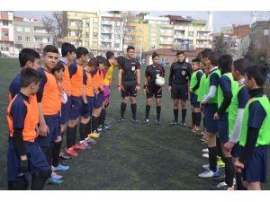 Ortaokullar Arası Ve Liseler Arası Futbol Turnuvası Tamamlandı