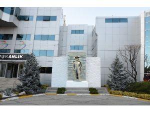 Beylikdüzü Belediye Binası Önüne Yeni Atatürk Anıtı