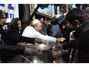 Erzurumlular, Çanakkale Şehitleri Anısına Lokma Dağıttı