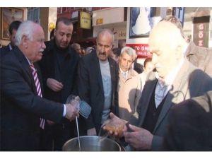 Malatya Ülkü Ocakları Tarafından Üzüm Hoşafı Dağıtıldı