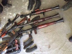 Bağlar'da Çok Sayıda Silah Ve Mühimmat Bulundu