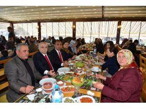 Vali Şentürk Şehit Aileleri İle Yemekte Buluştu