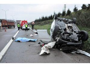 Kocaeli TEM Otoyolu'nda Kaza: 3 Ölü, 4 Yaralı