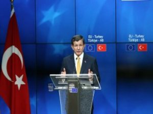 AB Zirvesinde Davutoğlu'na Soruldu: Size mi İnanalım Erdoğan'a mı