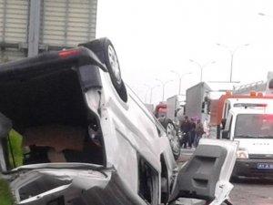 Kocaeli'de ticari araç devrildi: 3 ölü, 4 yaralı
