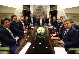 """Başbakan Davutoğlu: """"Türkiye Suriye'nin Bölünmesine Direniyor"""""""