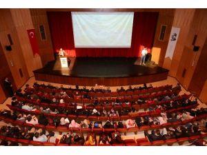 """Prof. Dr. Özcan: """"Çanakkale Zaferi Olmasaydı, Bağımsız Bir İslam Devleti Kalmazdı"""""""