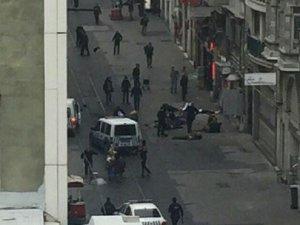 İstiklal Caddesi'nde Canlı Bomba Saldırısı: 2 Ölü, 7 Yaralı