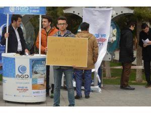 Anadolu Gençlik Derneği 250 Bin Şehit İçin 250 Bin Fidan Dikecek