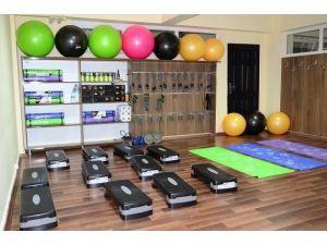 Kulp'ta Kadınlar İçin Spor Merkezi Açıldı