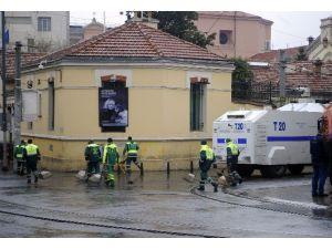 İstiklal Caddesi'nde Terörün İzleri Temizleniyor