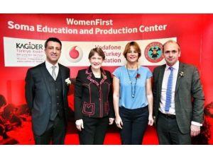 """Vodafone Türkiye Ve Kagider, New York'ta """"Soma'da Önce Kadın""""ı BM Ülkelerine Örnek Uygulama Olarak Anlattı"""