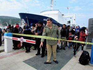 Çeşme'de Denize Açılan 101 Sığınmacı Yakalandı