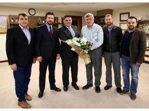 """Başkan Karaosmanoğlu, """"Derneklerimiz Birliğimizin Simgesidir"""""""