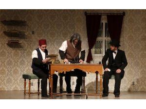 Ebb Şehir Tiyatrosu'ndan 18 Mart'a Özel Oyun