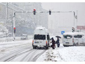 Bitlis Nevruz'a karla girdi