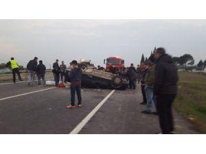 Manisa'da Otomobil Takla Attı: 5 Yaralı