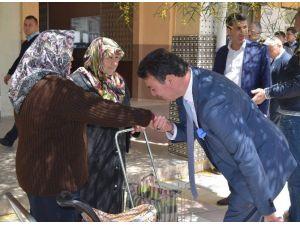Germencik Belediye Başkanı Ümmet Akın, Yaşlıları Unutmadı