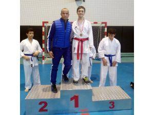 Adana Karate Şampiyonu Erkan Koleji'nden