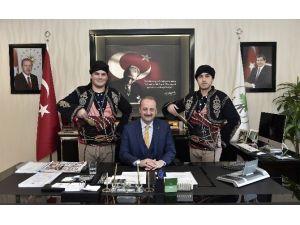 Şampiyon Halk Oyunları Ekibi'nden Akgül'e Ziyaret