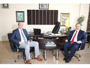 Bafra Belediye Başkanı Şahin'den Adapazarı Belediyesi'ne Ziyaret