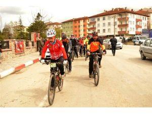 Şehitleri Anma Bisiklet Turuna Yoğun İlgi