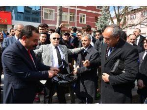 Kırşehir Valisi Öncü Oldu Siyasi Parti İl Başkanları Demir Dövdü