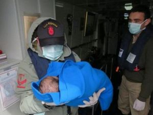 Deniz Kuvvetleri'nden Düzensiz Göçle Mücadeleye Tam Destek
