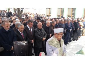 Kılıçdaroğlu, Temizel'in annesinin cenaze namazına katıldı