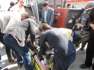 Traktör Yayaya Çarptı, 1 Yaralı