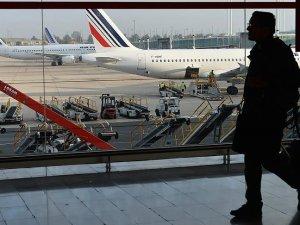 Fransa'da havacılık grevi uçuşları iptal ettirdi