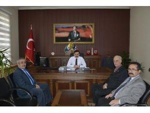 Kızılay Yeni Yönetiminden Kaymakam Gözen'e Ziyaret