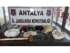 Dinamitle Kaçak Kazıya 6 Gözaltı