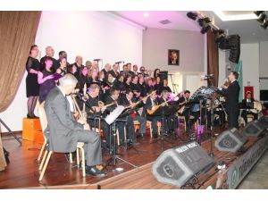 Edirne Belediyesi 'Şehitlerimize Yüreğimizden Ezgiler' Konseri Düzenledi