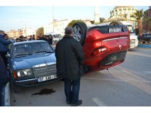 Biga'da Otomobil Devrildi: 3 Yaralı