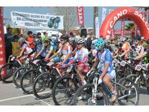 Uluslararası Dağ Bisiklet Yarışı Nefes Kesti