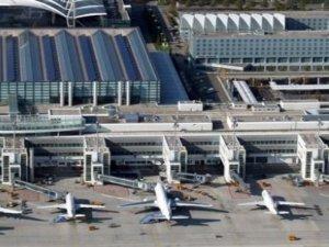 Brüksel havalimanında çifte patlama