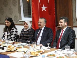"""Kars'ta """"Huzurlu Okul Huzurlu Toplum"""" Projesi Değerlendirme Toplantısı"""