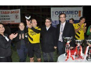 14 Mart Tıp Bayramı Futbol Turnuvası Sona Erdi