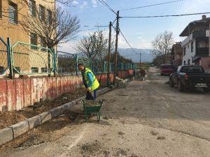 Kartepe'de Öğrenciler İçin Kaldırım Çalışması